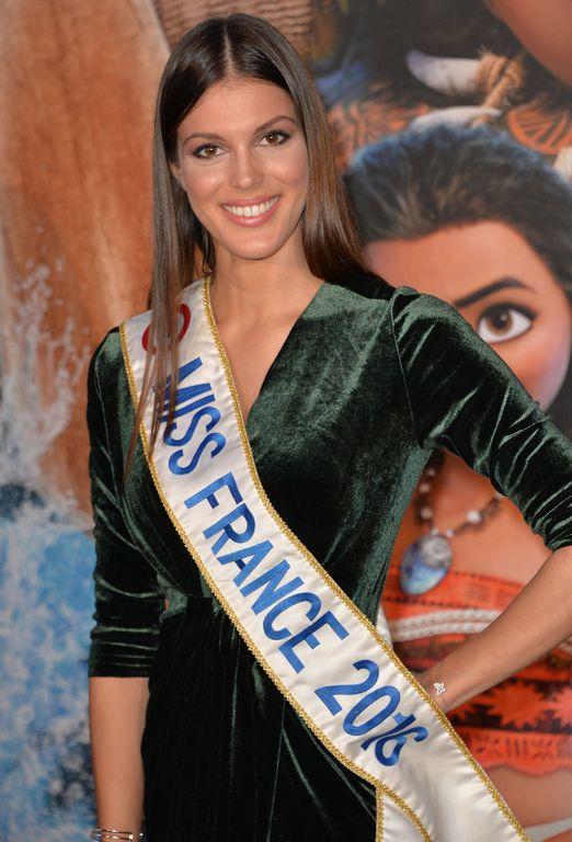 Iris-Mittenaere-Miss-France-2016-Avant-premiere-du-film-d-animation-Vaiana-la-legende-du-bout_exact - Atesclup