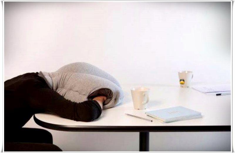 masa başı uyumak için uykuluk