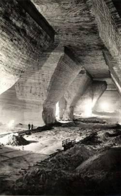 Inside-the-Royal-Hungarian-Salt-Mine-of-Dsakna